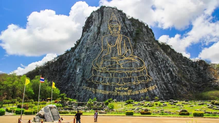 Than quan Trân Bảo Phật Sơn hùng vĩ