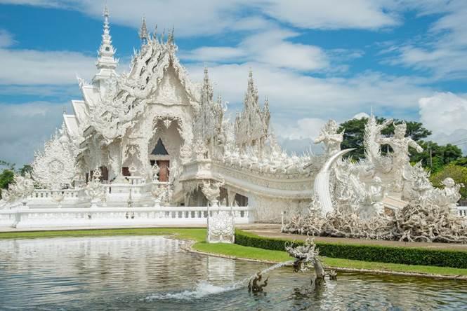 Độc đáo ngôi chùa trắng tại Chiang Rai