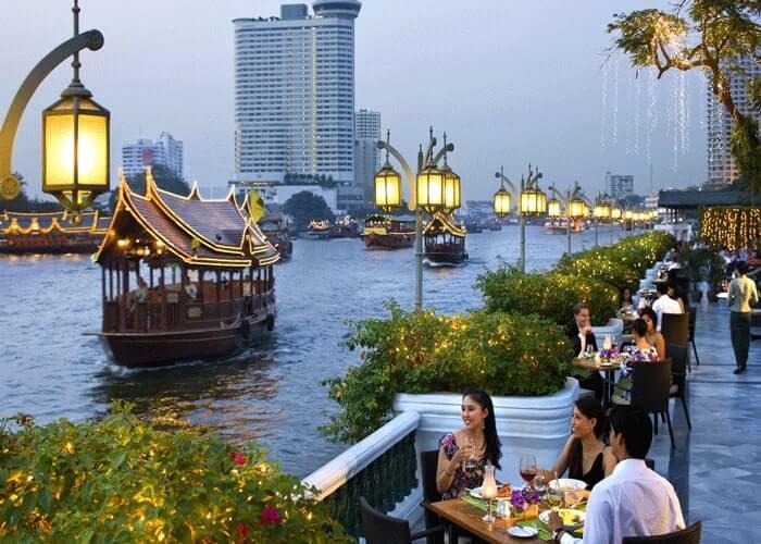 dạo thuyền trên sông Chaophraya