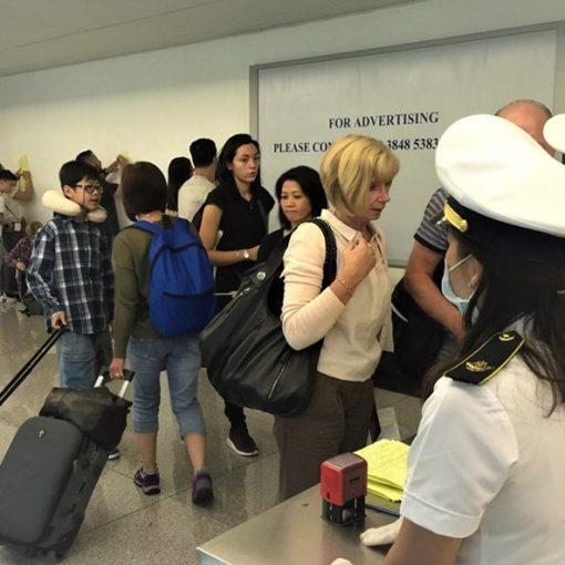 tạm dừng miễn visa cho 8 nước châu Âu