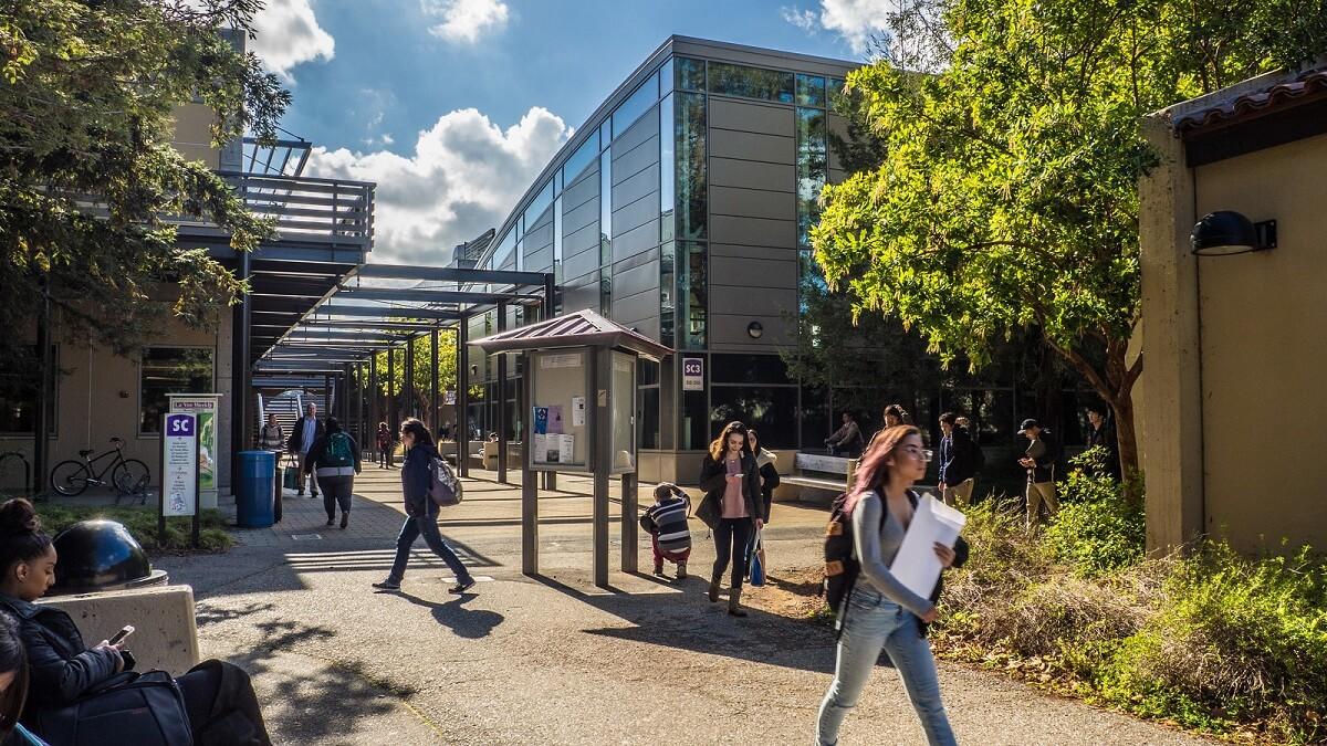 Điều kiện du học cao đẳng cộng đồng Mỹ 2020: Bạn cần chuẩn bị những gì?